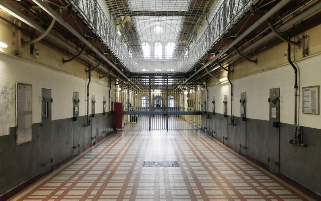 La prison fabrique-t-elle des criminels ?